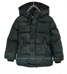 Демисезонная камуфляжная куртка для мальчика 5 лет от ZARA Размер 110