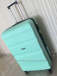 5c46e8611ebd Дешевле только у нас Большой чемодан бренд Wings валіза сумка на колесах,