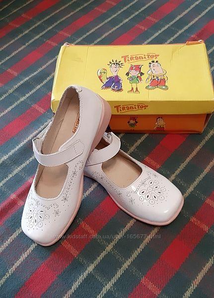 Нарядные туфли Tiranitos