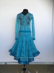 Платье для бальных танцев на рост 140-150 см.