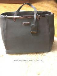 Стильная серая сумочка