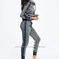 Штаны джоггеры от Victoria&acutes Secret р. S