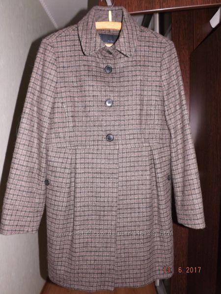 Продам легкое женское пальто фирмы ZARA размер 46-48