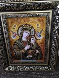 Икона Божьей Матери Неустанной помочи с янтаря очень красивая, много камня