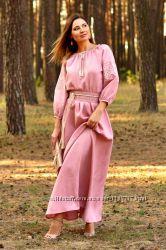 Сукня з вишивкою в УкраІнському стилі