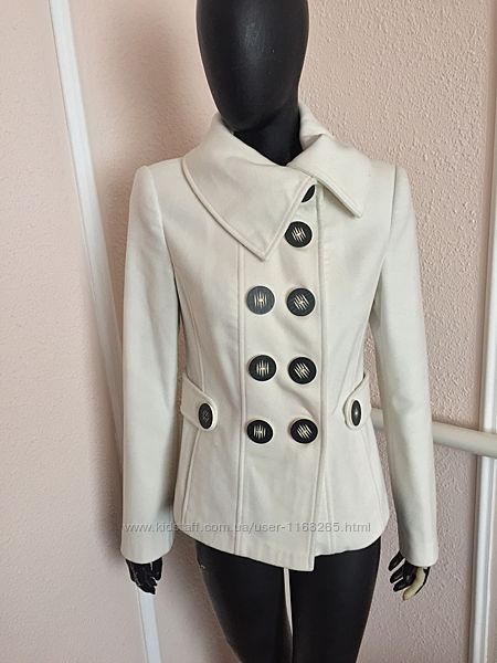 Стильний короткий пальто из Италии