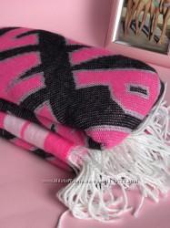 Victoria&acutes Secret  теплый шарф