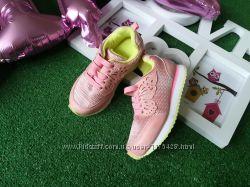 Новые кроссовки 25 размер