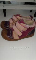ботинки лля девочки р. 26, 29