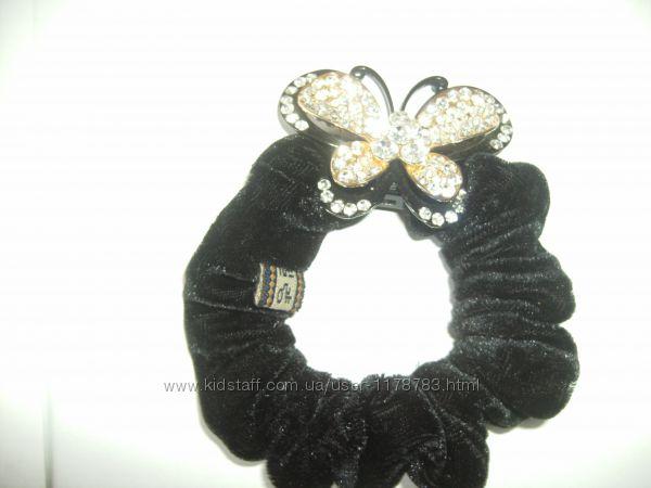 Бархатная резинка на волосы с бабочкой стразы