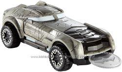 Пускач Hot Wheels Universe Armored Batman Vehicle