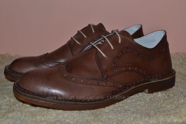 Кожаные стильные туфли. Италия