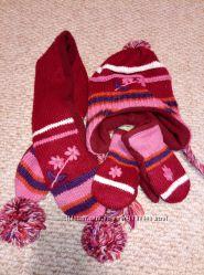 Комлект зимний для девочки шапка, шарф, варежки