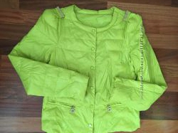 Курточка весна - осень , М-Л состояние  отлично, цвет салатовый, очень удоб