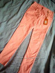 Легкие брюки на девочку, р. 140 - 146.