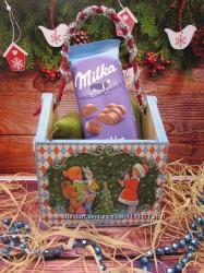 Корзинка-домик для новогодних сладостей