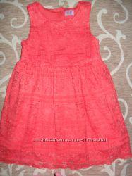 фирменное нарядное платье F&F на 2-3 года