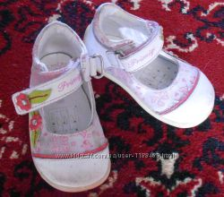 Детские туфельки на липучках