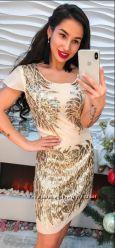 Нарядное платье в паетки размер 44