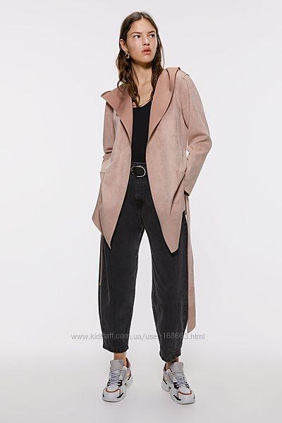 Пудровое замшевое пальто от ZARA, М, оригинал, Испания