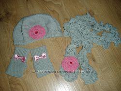 Вязаный комплект для девочки Hand made  берет, шарфик и митенки .