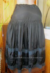 Летняя миди-юбка ярусная с вышивкой и кружевом