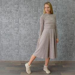 Нежные и тёплые платья миди с секретом для кормления, отлично для беременны