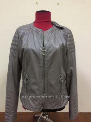 Куртка эко кожа Rinascimento Италия р 46