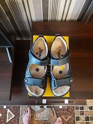 Продам сандалии TUTUBI - 36 размер
