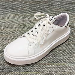 Белые кроссовки из натуральной кожи р 37-39