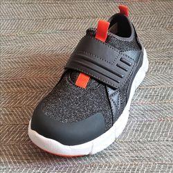 Детские кроссовки на физкультуру р 33-37