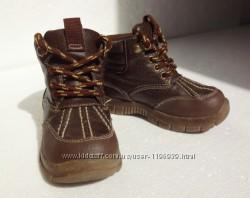 Carters. Кожаные ботиночки на осень. 14, 5 см стелька.