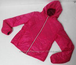 Bershka bsk. Мягенькая осенняя куртка с капюшоном. 33 размер.