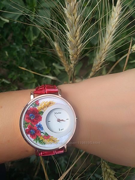 Женские наручные часы с микровышивкой