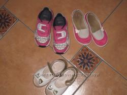 Продам взуття 24-25р. кросівки Clarks, макасіни Waldi, босоніжки