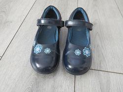 Туфельки CLARKS из натуральной лакированной кожи UK 10 1/2F