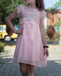 Святкова сукня з паєтками ніжно-рожевого кольору і подарунок для дівчинки