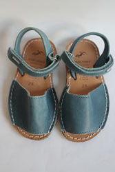 Pablosky новые кожаные босоножки оригинал из испании