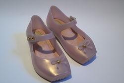 Очень классные туфельки mini melissa оригинал 100