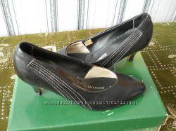 красивые женские кожаные туфли 38р