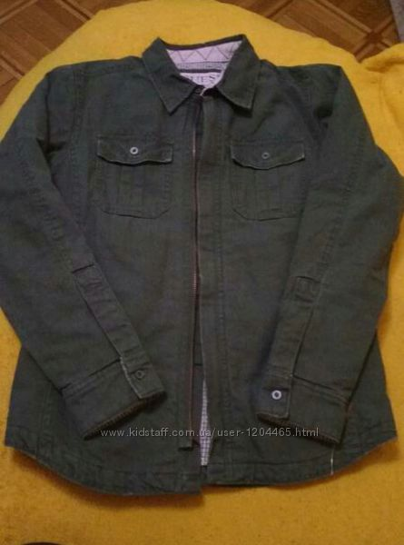 Отличная курточка пиджачек оригинал на подростка Guess
