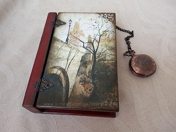 Шкатулка-книга для бижутерии Прага, ручная работа