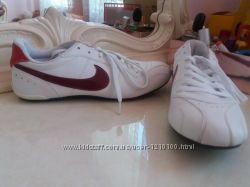 Кросівки Nike.