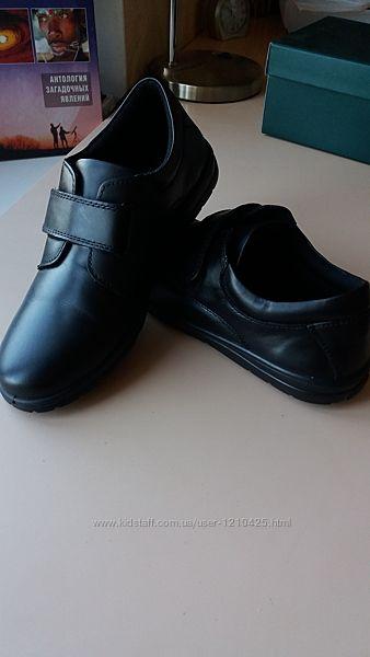 НовыеКожаные туфли-полуботинки Braska