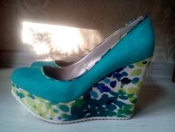 Красивые зелёные туфли 38 раз.