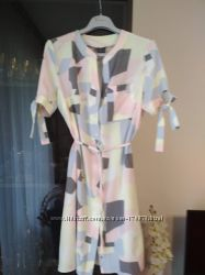 Платье рубашка очень красивое, нежное.
