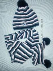 чудесный комплект  шапка и шарф от фирмы войчик