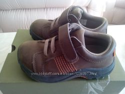 Продам ботиночки Keen в отличном состоянии 16. 2 см.