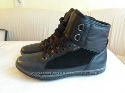 Деми ботинки из очень мягкой кожи    отделка натур. замш и текстиль  Geox
