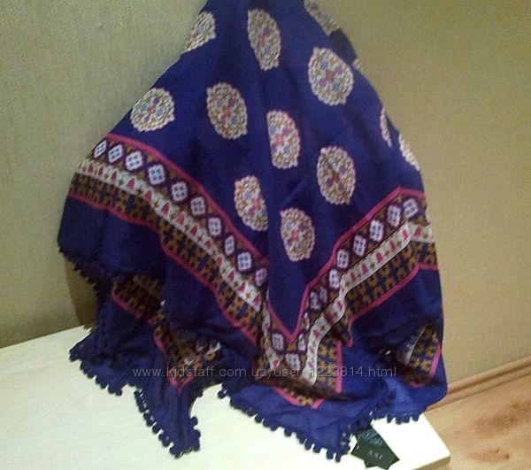 Новый с биркой платок 100х100 см с помпонами